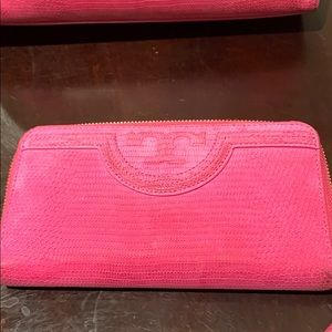 Tory Burch Bags - Tory Burch Fleming ZIP Continental Wallet
